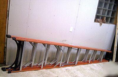 10 ft husky a frame fiberglass ladder step
